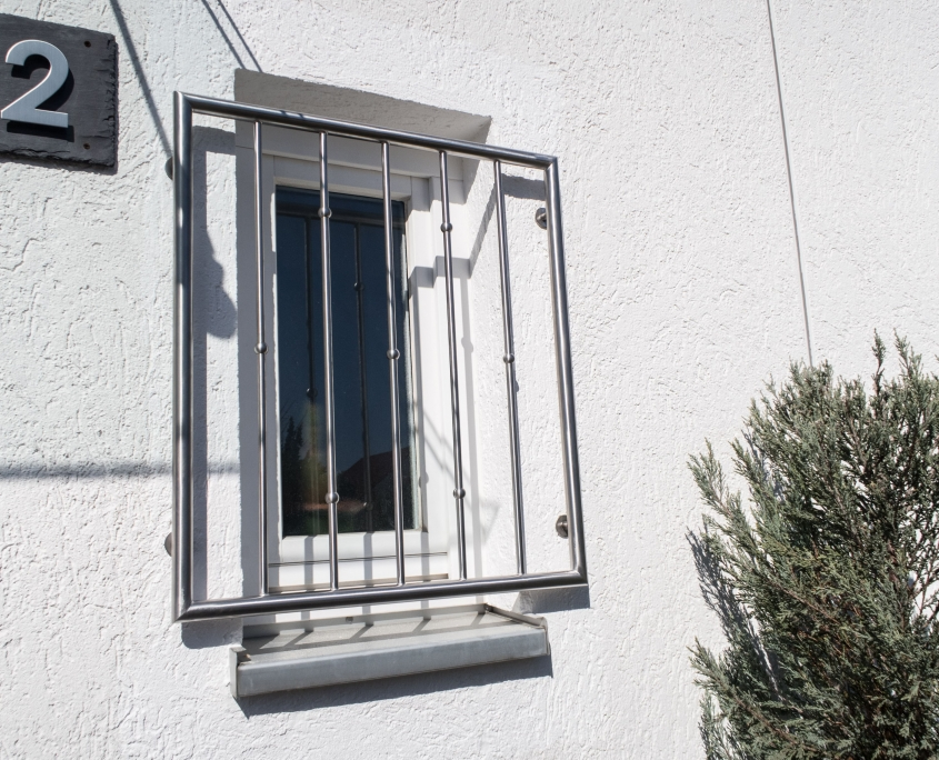 Fenstergitter_edelstahl_auf_maß